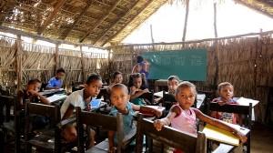 scuola elementare di paglia in Balsas-MA